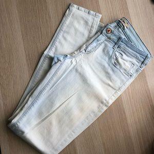 Distressed Jeans Size w28/l32